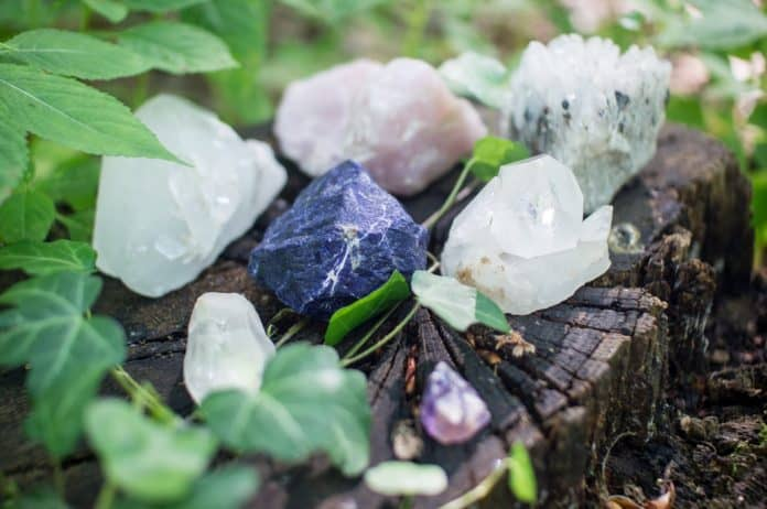 The power of healing with crystals Benefits of Quartz